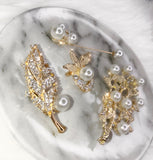 Lavish Pearl Brooch Set