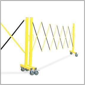 FlexPro Portable Expanding Steel Aluminum Barricade Yellow/Black Connection