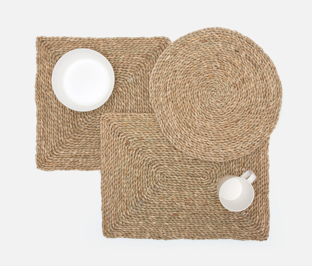 Lucian Seagrass Round Placemat
