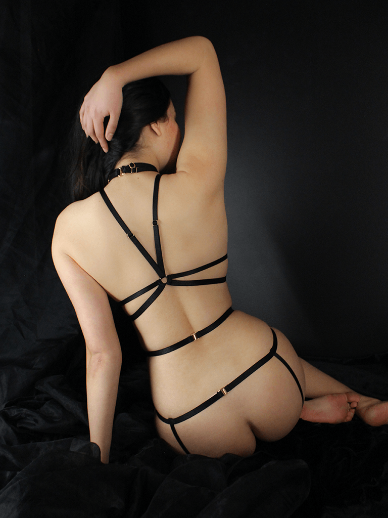 BONDAGE HARNESS SUSPENDER BLACK