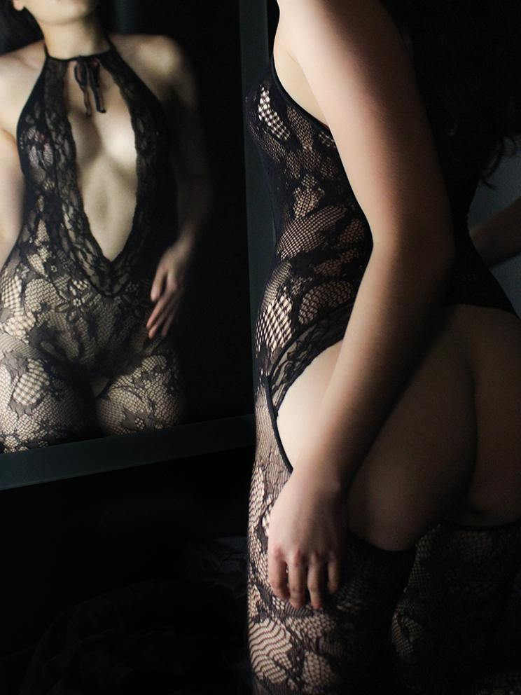 BODYSTOCKING CROTCHLESS LACE BLACK