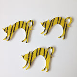 Cat brooch yellow