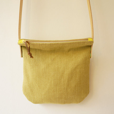 Linen shoulder bag - pear
