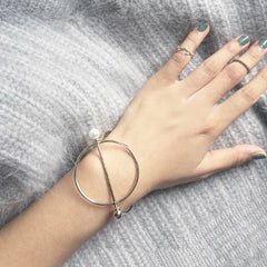 Circle & Pearl Rod Bangle - Silver