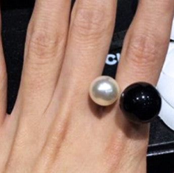 Double Pearl Ring - Black & White
