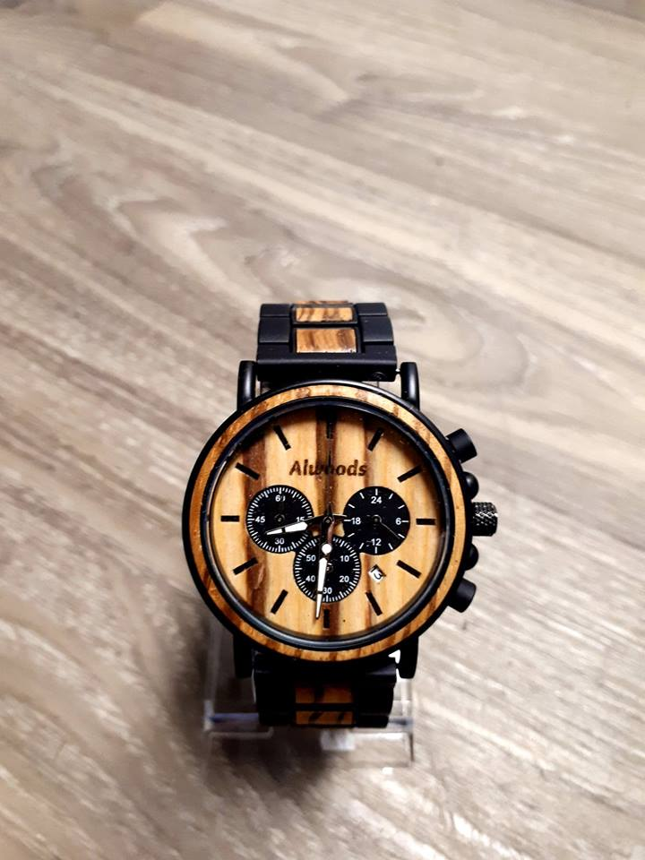 Mens wood watch. Wood and metal