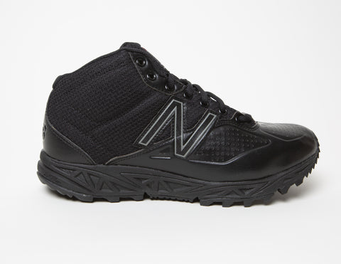 New Balance Mid-Cut Field Shoe