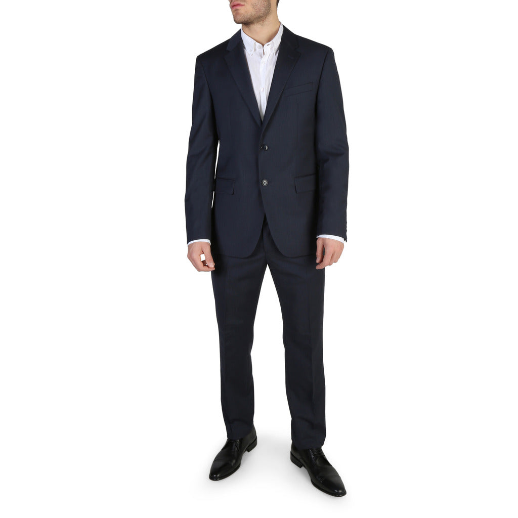 -Suits Clothing