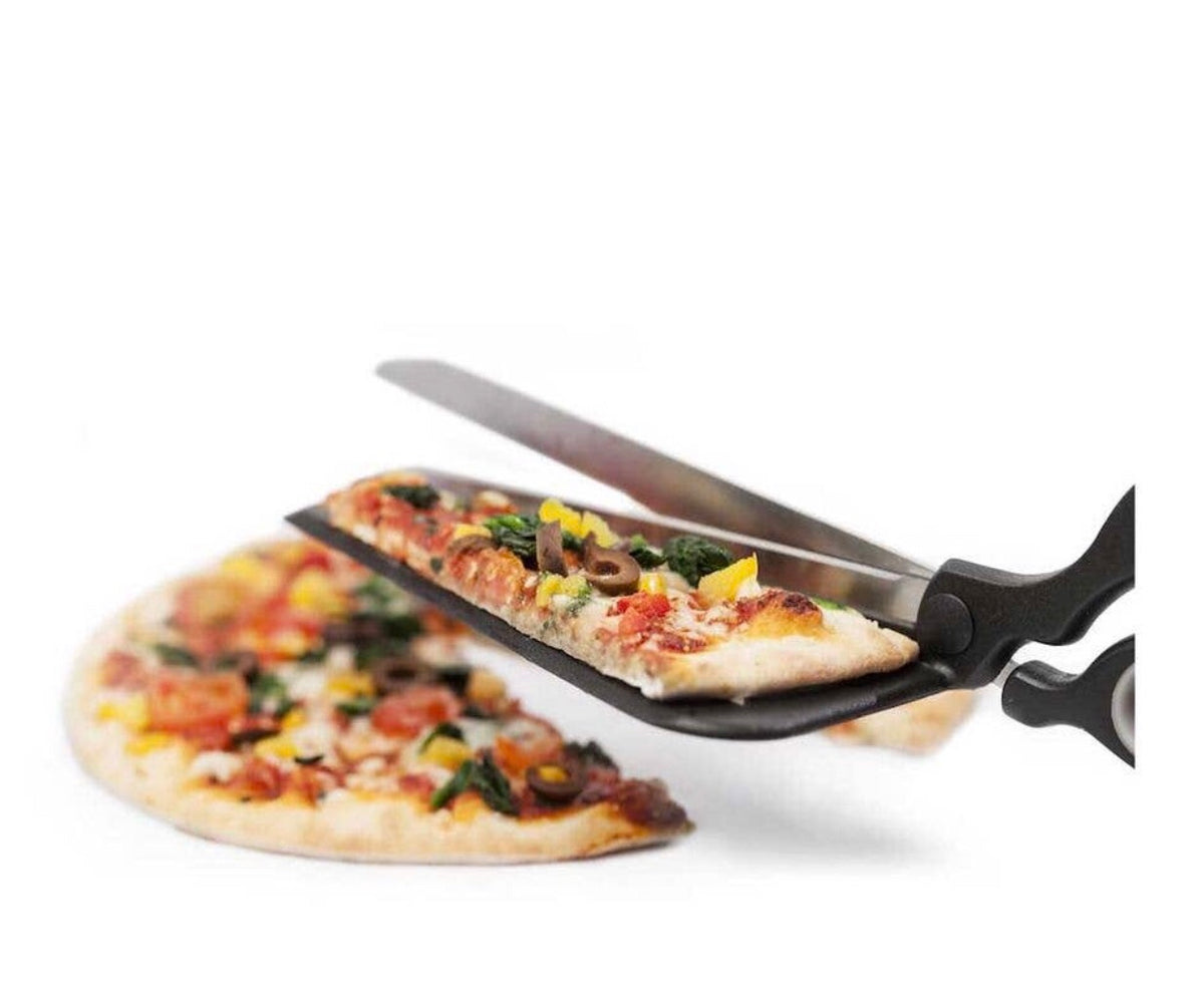 Cool tool allows you to cut your pizza and then move to plate with built in spatula. Very popular hostess gift, perfect for pizza parties.