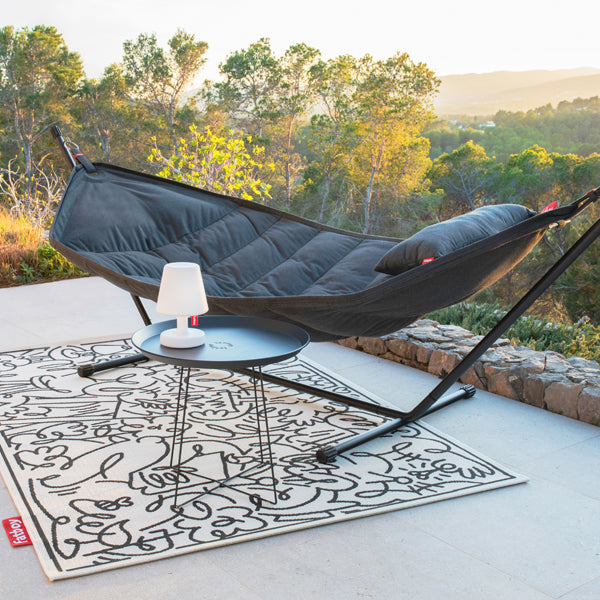 Fatboy Headdemock Sunbrella and Plat-o Table