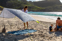 Load image into Gallery viewer, Family with Fatboy Miasun x Vilebrequin Sun Shade on Beach