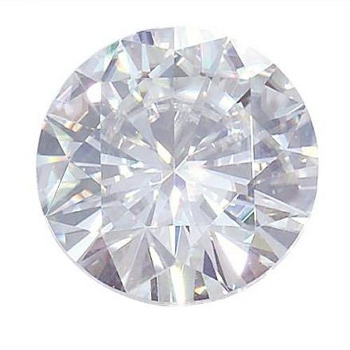Forever Classic™ Round Cut Moissanite
