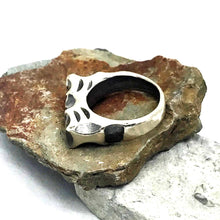 Load image into Gallery viewer, Chunky Carved Lines Sterling Silver Ring