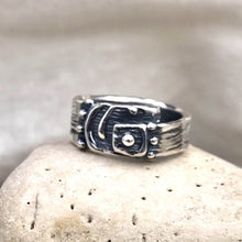 Load image into Gallery viewer, Asymmetrical Abstract Fringed Spiral Sterling Silver Ring