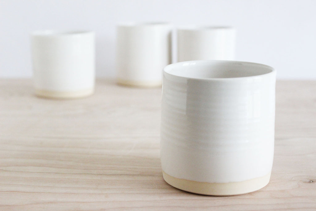 White cups, s/4