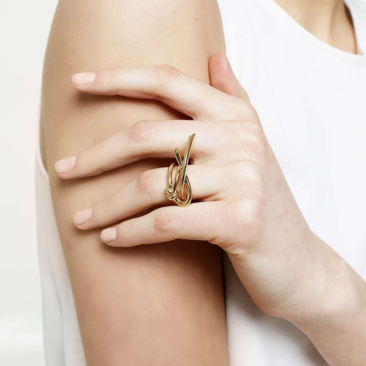 Shop online latest collection, yellow gold plated metal ring.