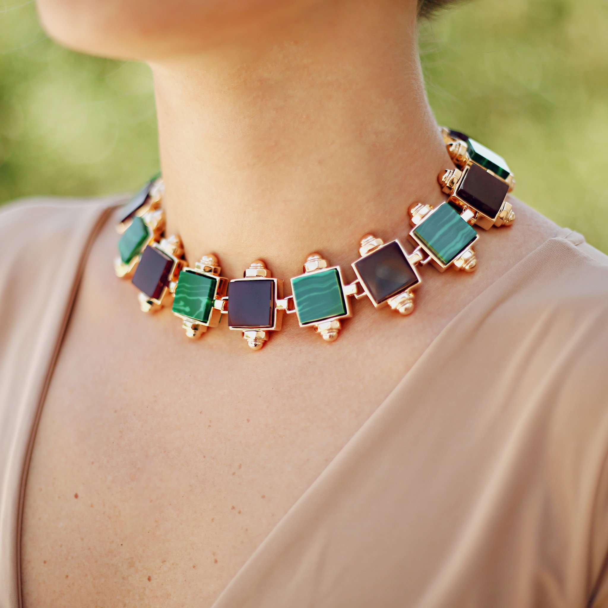 Buy fashion necklace online from the latest collection.