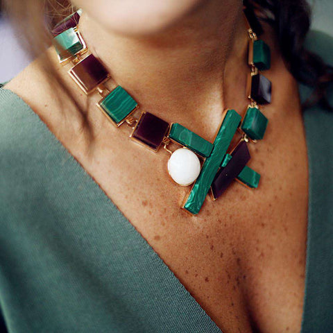 Buy malachite necklace online and at fashion jewellery shops.