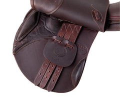 Pariani Oxer flap and billet view. arkaequipe.com girth straps