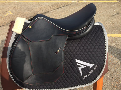 Pariani DA Salto Black/Red Jumping Saddle,  Ex demo,  Black, 17/M