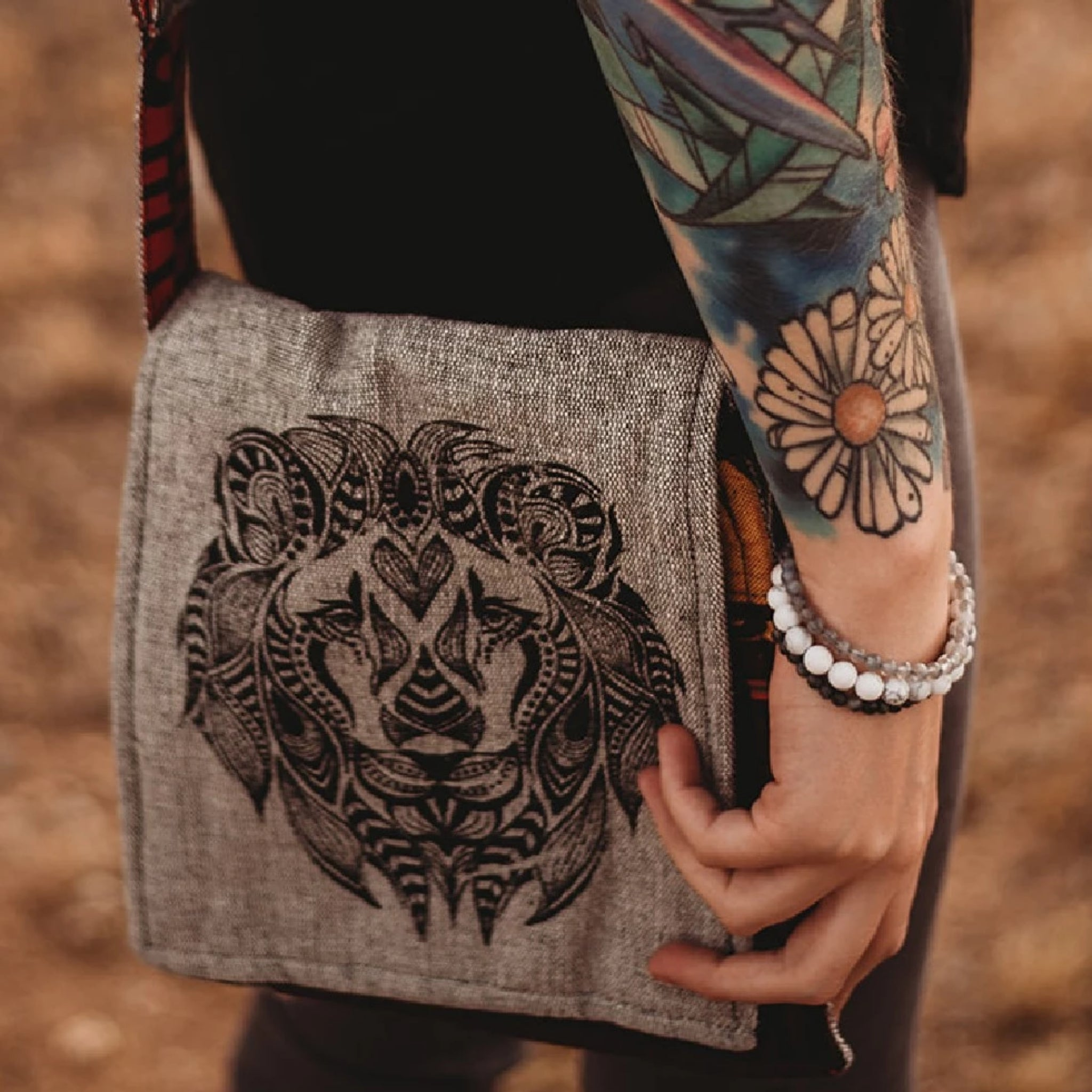 Nepal Lioness Shoulder Bag
