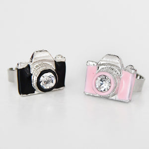 Platinum finger ring, CAMERA