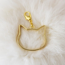 Load image into Gallery viewer, Pendant with clasp, Golden CAT HEAD