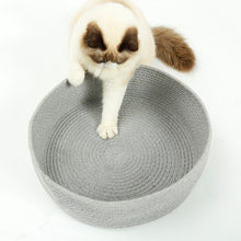 Load image into Gallery viewer, Cat bed, knitted cotton for resting and awesome scratching