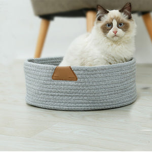 Cat bed, knitted cotton for resting and awesome scratching