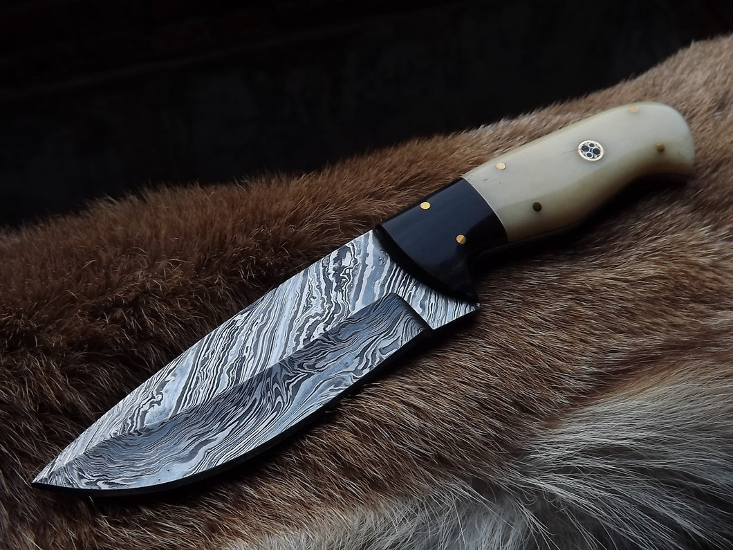 Custom Handmade Damascus Steel Hunting Skinning Camping Knife