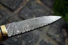 Load image into Gallery viewer, Custom hand made Damascus steel Hunting/Skinning/Camping Knife