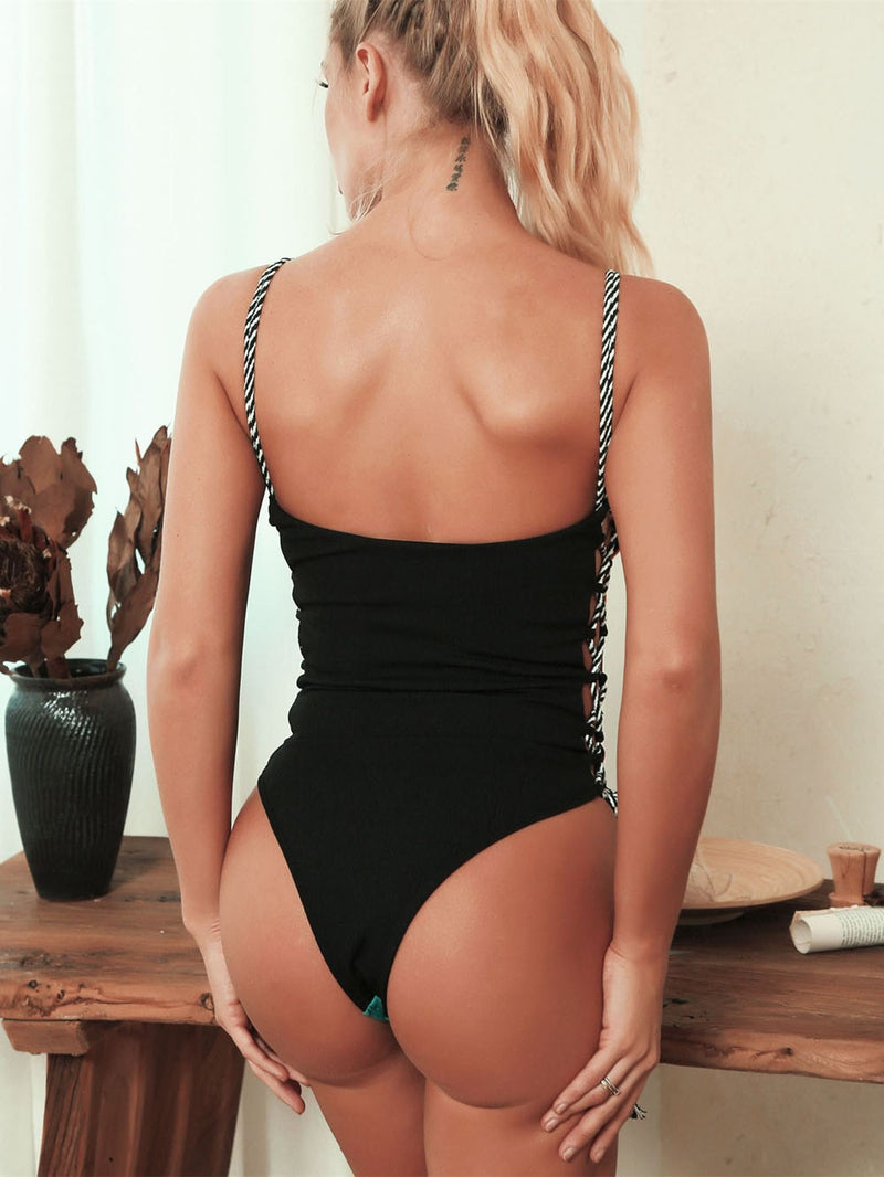 Trendy Strappy Backless Padded Swimsuit