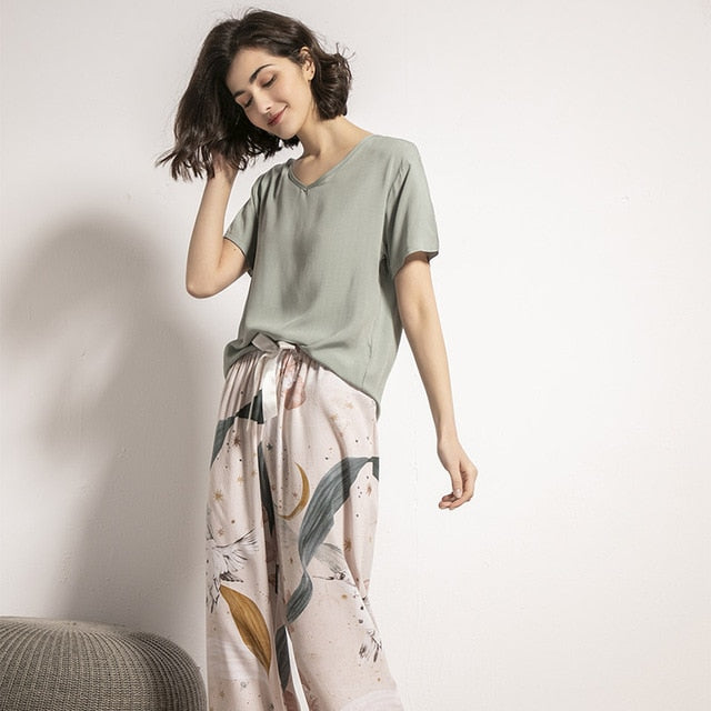 New Women V-Neck Leaves Printed Pajamas Set