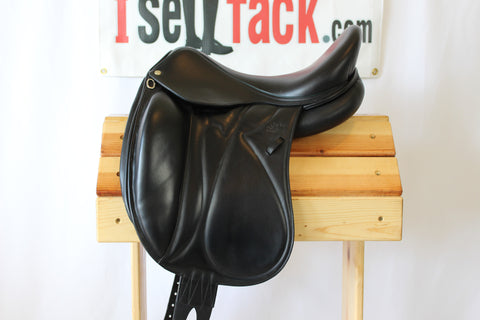 "AVAIL - 2015 Devoucoux Makila Dressage Saddle 17.5"" 2A Flaps 4.5"" Tree"