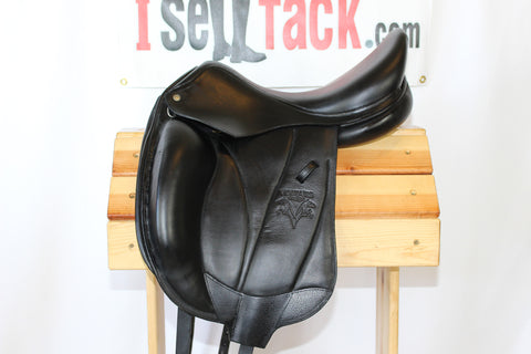 "AVAIL - 2013 Voltaire Adelaide Dressage 17.5"" 2A Flaps 5.25"" Tree."
