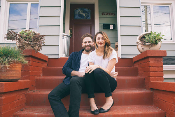 Billy and Leah are the couple behind the Seattle jewelry company Baleen. Minimal, affordable, trendy jewelry. Handmade in Seattle, Washington.
