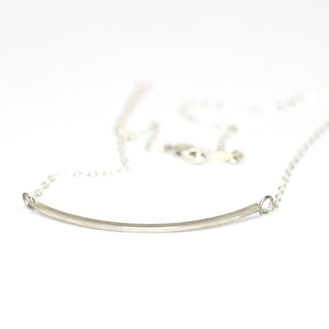 Small Curve Necklace