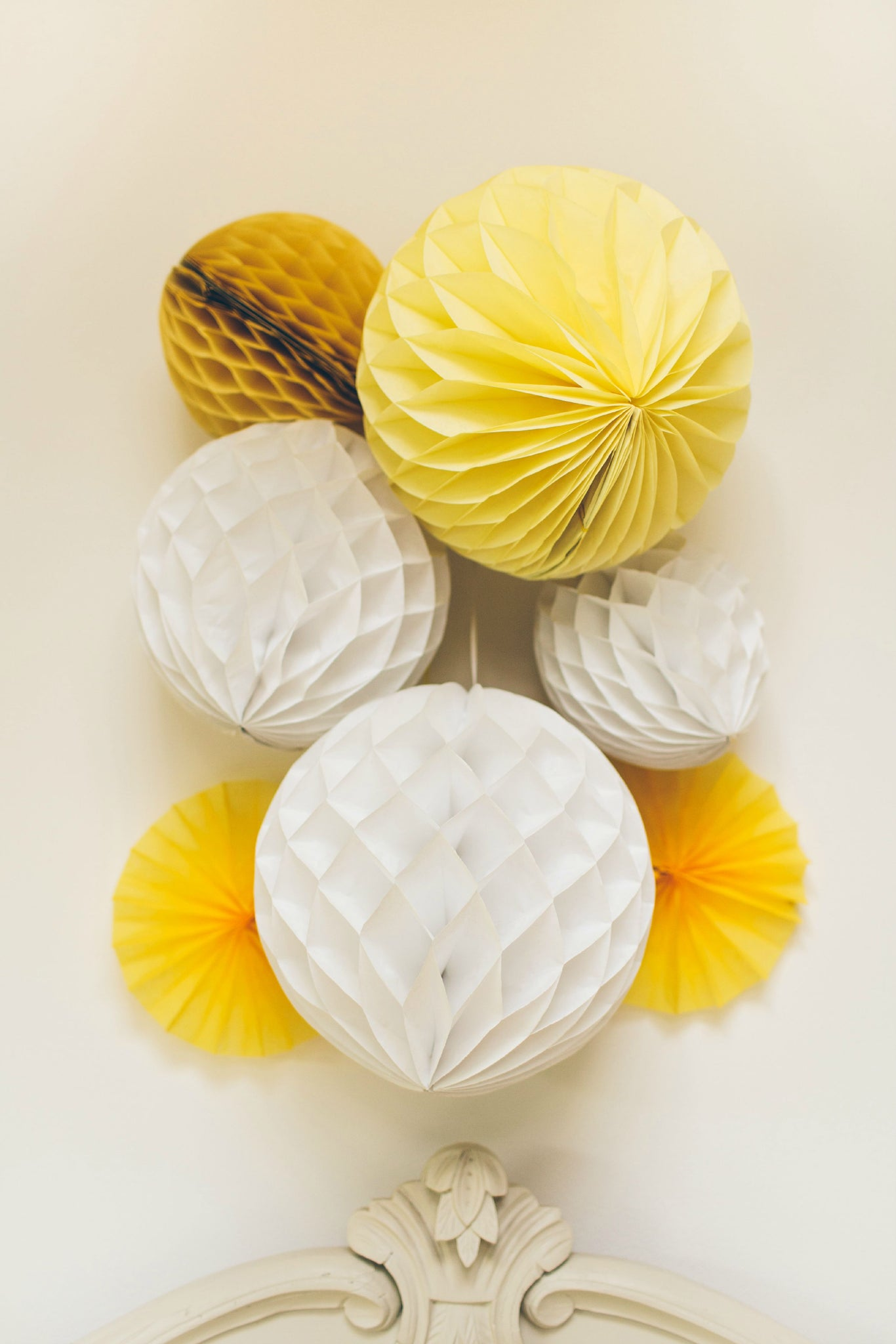 Yellow Mix honeycomb balloon Decorations