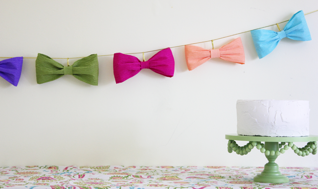 This Bow Garland Is So Cute And Too Good To Just Use Once Link Tutorial At Bottom Of Page