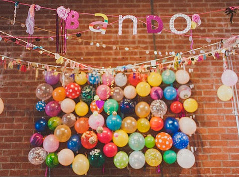 Balloon ideas without helium pretty little party ideas for Balloon decoration ideas no helium