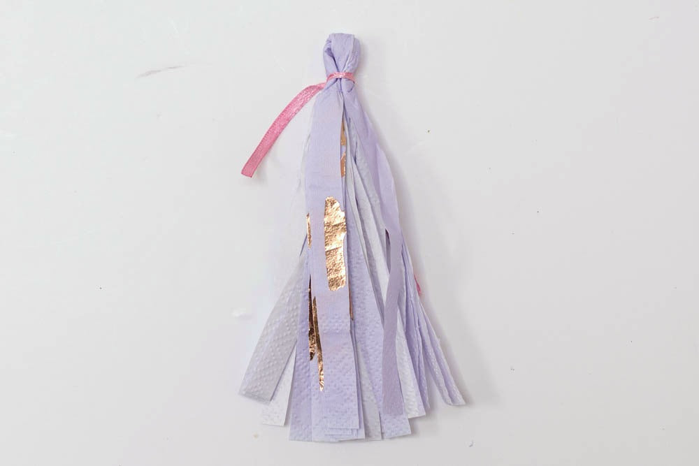 DIY Paper tassel for Balloons