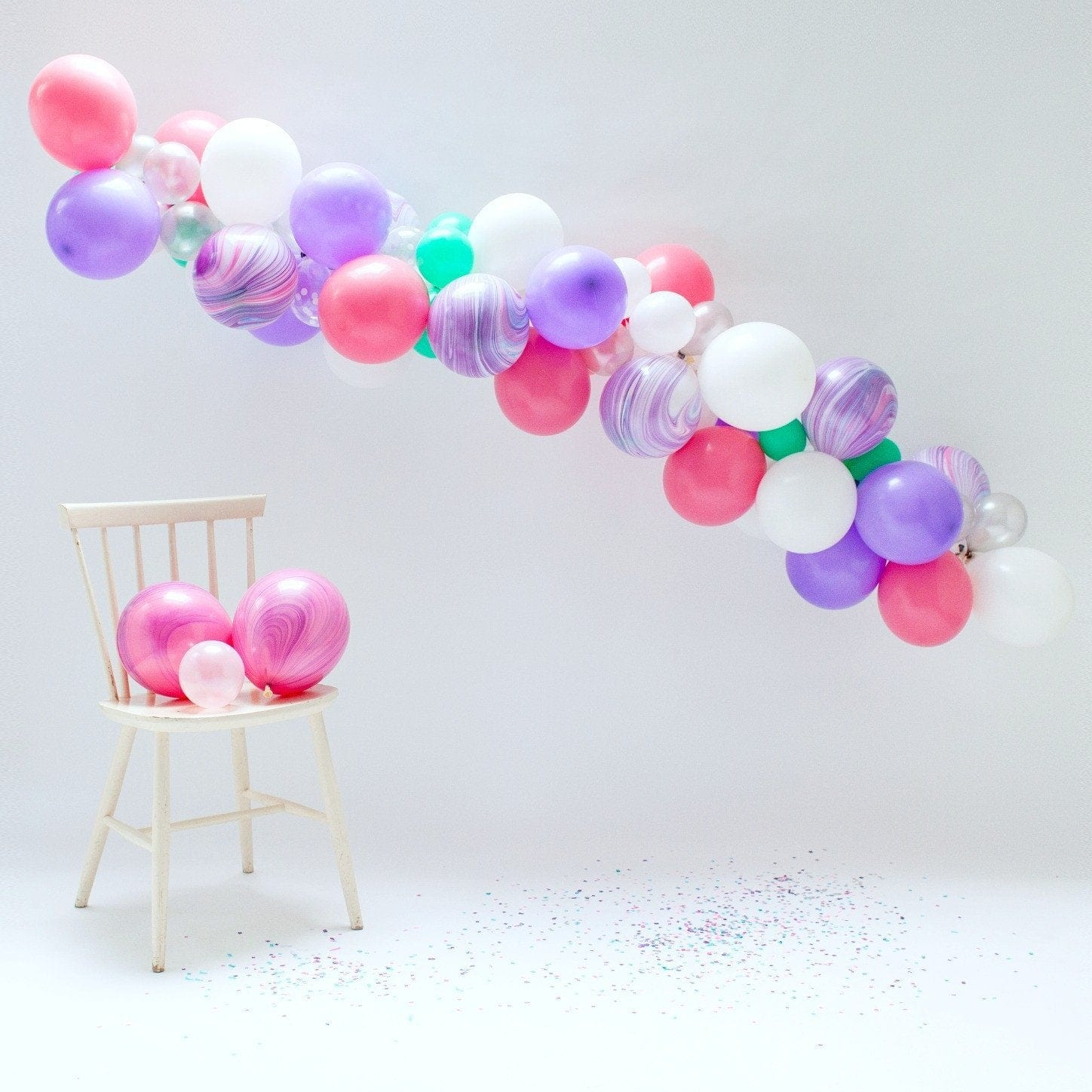 Balloon installation Garland | unicorn party ideas
