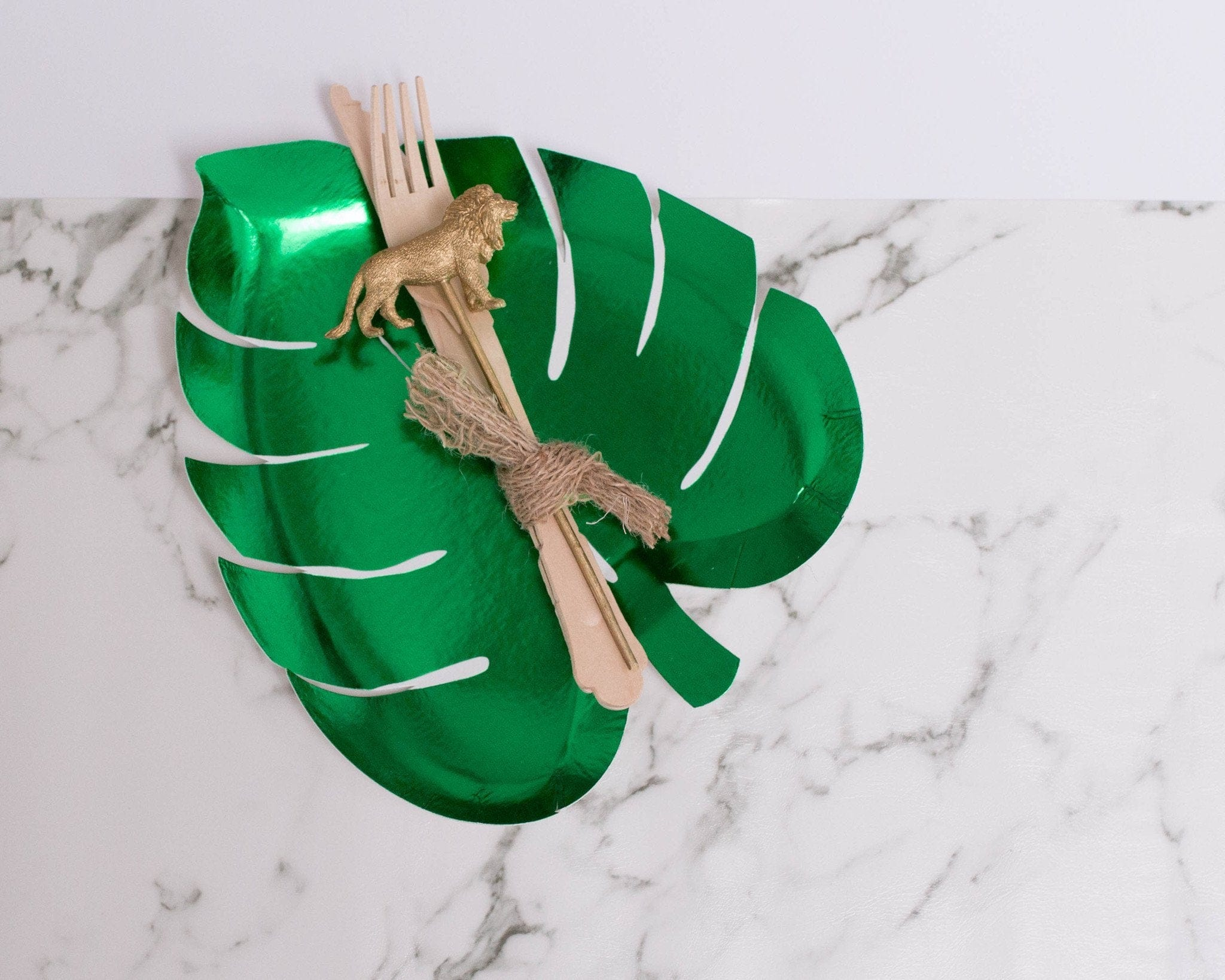 Tropical Leaf Shape Paper Plate Green | Meri Meri Party | Modern Party