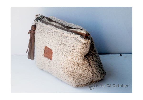 11091 toilet bag fur