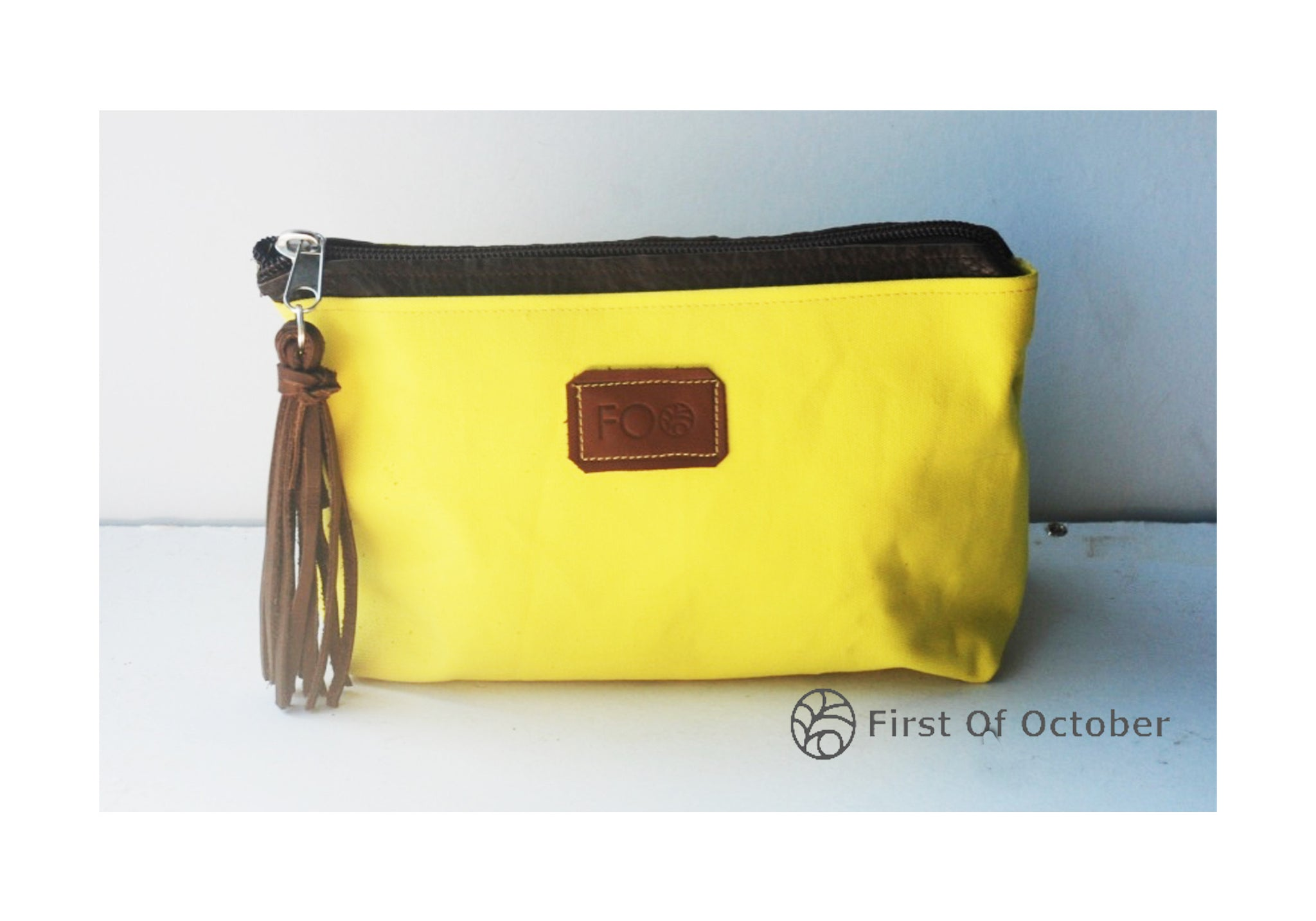 11092 toilet bag bright yellow