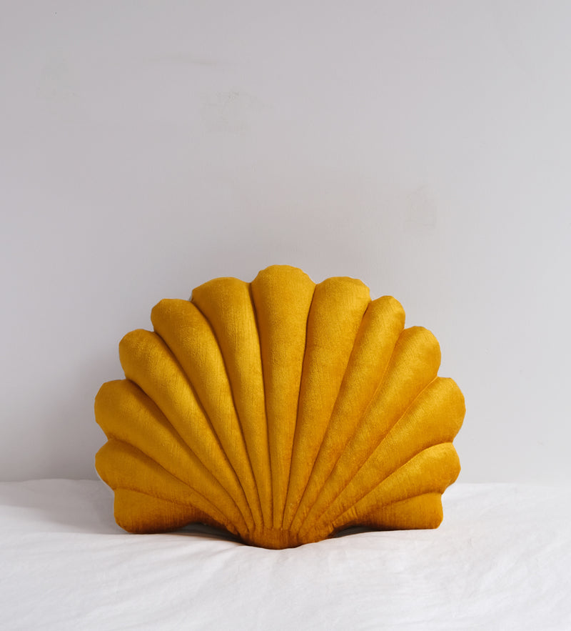 Shell Pillow in velvet- Large Pillow