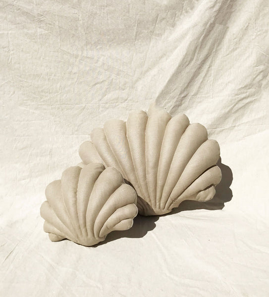 Pair of Shell Pillows in Linen - Large and Small