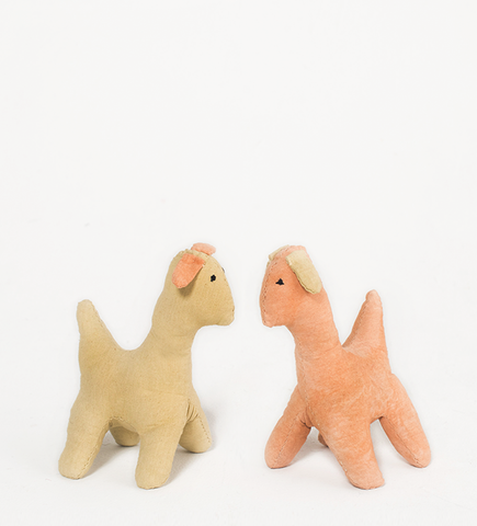Doggie couple, Natural dyes