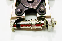 Load image into Gallery viewer, Platinum 18038 RG6 nickel BNC SealSmart compression connector