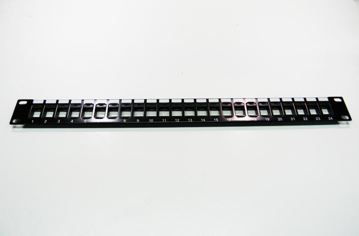 Datcom Realm unloaded 24-port patch panel